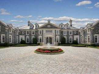 Stone Mansion, casa decorata cu aur din New Jersey