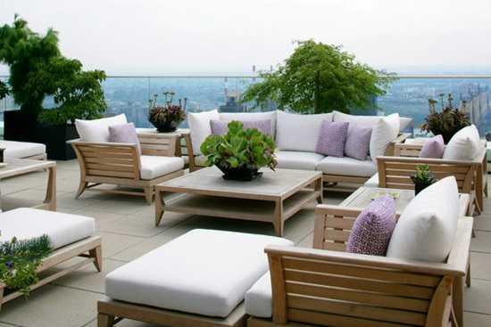 Intretinerea mobilierului de gradina