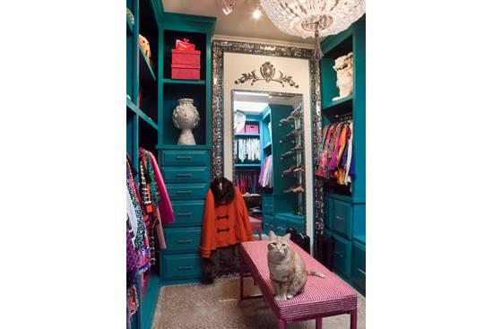Completarea perfecta pentru un dormitor: dressing-ul