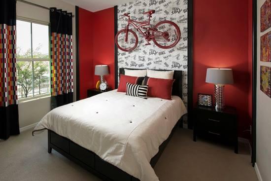 Un dormitor rosu pentru o personalitate puternica