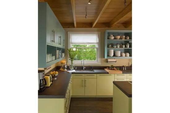 Dulapuri de bucatarie colorate frumos