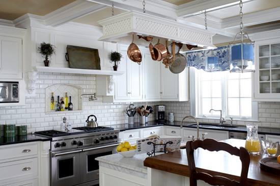 Casa clasica + accesorii moderne