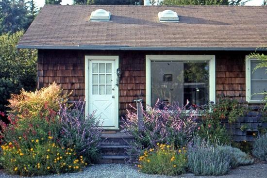 Idei pentru amenajarea gradinilor mici din fata casei