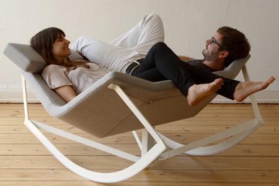 Pentru relaxare alege mobilierul cu balansare