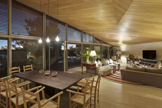 Tavanul care te reprezinta: clasic, din lemn