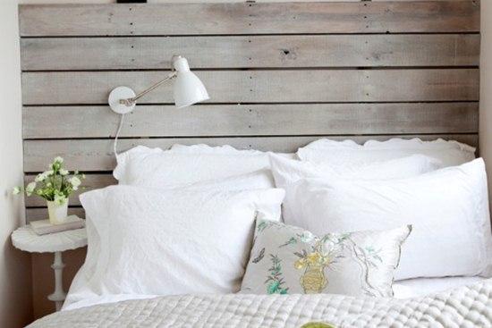 Selectia decorativa pentru pat: tablia din lemn