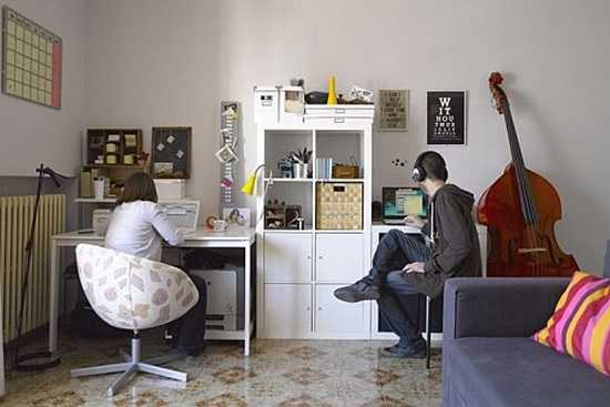 Cum impart doi oameni un apartament?