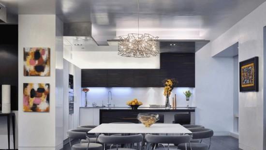 """""""Bijuterie"""" pe tavan – stralucire in nuante metalice"""