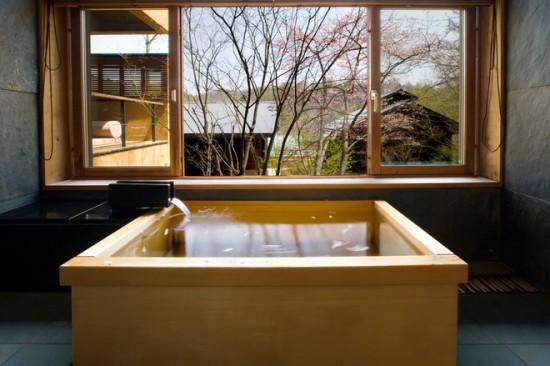Relaxare la superlativ intr-o baie cu elemente Zen