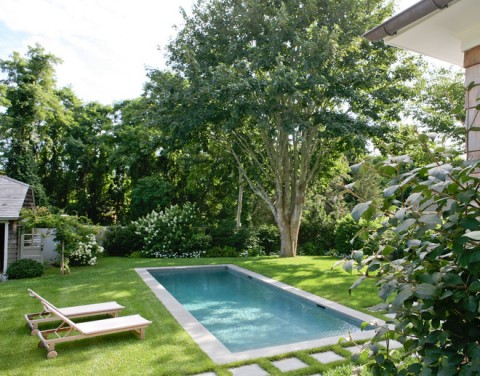 Piscina din curte – pentru relaxarea intregii familii