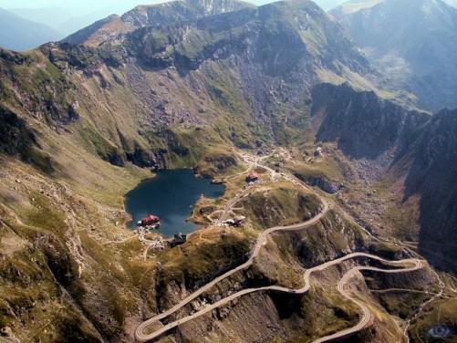 Transfagarasan – spectaculosul drum ce taie Muntii Fagaras