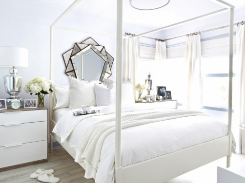 Mobilier alb pentru un dormitor elegant