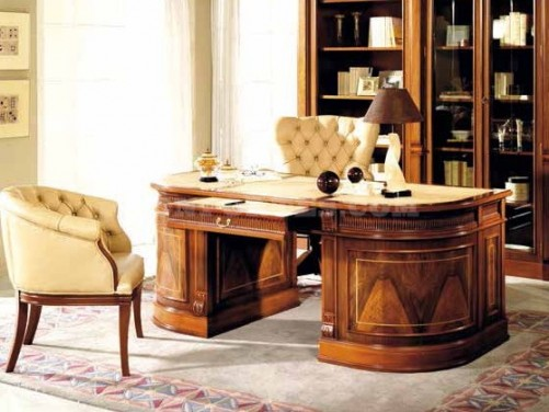 Alegeti lemnul masiv pentru biroul din mansarda