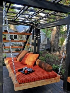 Patul baldachin – inspiratie pentru terasa