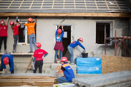 Habitat for Humanity – 36 de case in 5 zile (FOTO)