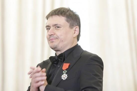 """Regizorul Cristian Mungiu a primit """"Legiunea de Onoare in grad de Cavaler"""" (FOTO)"""