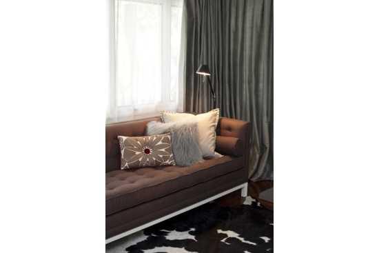 Relaxare si culoare – pernute decorative si paturi moi