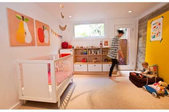 Un apartament mult prea mic si un bebe